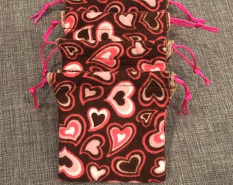 Heart design little drawstring gift bags set of 4, boyfriend girlfriend gifts or Valentines Day, 4 x 4 holds gift card, jewelry small item