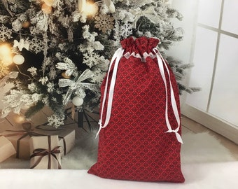 Christmas fabric gift bag red with holly print and lace trim, white satin ribbon drawstring 9.5 x 15.5, reusable gift bags, eco friendly