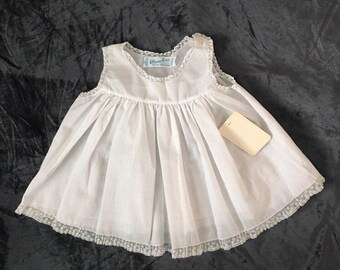 Vintage baby slip shift for newborn, Feltman Bros old store stock 1980's, white with lace for baby photo shoot, baptism dress, reborn doll