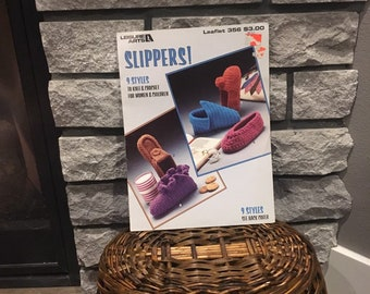 Slippers knit & crochet pattern leaflet, vintage 1985 Leisure Arts 356, instructions for 9 styles of slippers for women and children bootie