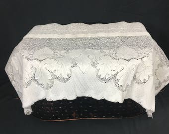 Lace Valance, Lace Curtain, Off White, Window Treatment, 1990's Lace Curtain, 12 x 59, Leaves Pattern, Polyester Lace, Made In USA, Cottage