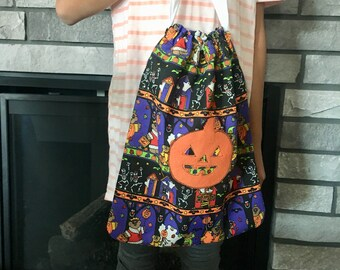 Trick or treating bag with drawstring, Halloween print fabric with jack o lantern pumpkin patch felt appliqué  13 x 16.5 gift for kids