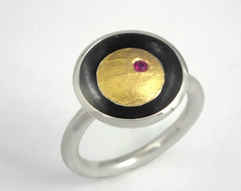 Modern round gold and oxidized silver ring decorated with a genuine ruby and a textured golden surface, Handcrafted ring, Gift for her.