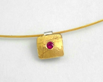 Minimal hammered gold and silver charm square-shaped with a genuine ruby and a rough surface, Small pendant, Minimal necklace, Gift for her
