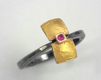 Modern gold and silver ring with a small genuine ruby and hammered band, Gift for her, Geometric ring, Oxidized silver ring, Textured ring.