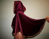 Fantasy short cloak LARP Cape Hooded cape Short mantle Renaissance costume Velvet cape Wine cloak Wizard cape Fantasy costume Vampire