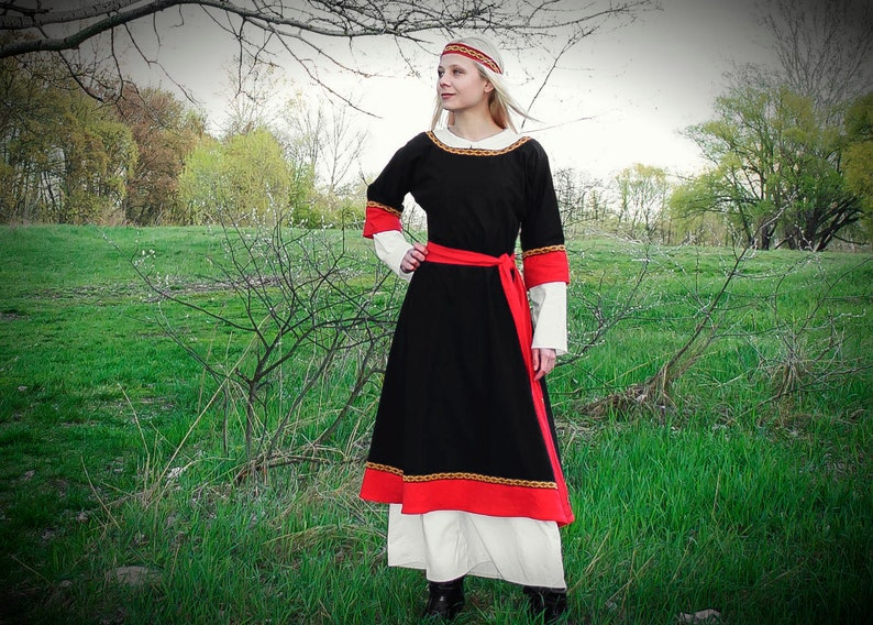 Medieval dress Viking dress Linen LARP dress Viking clothing Norse  Scandinavian dress Celtic dress Medieval reenactment Medieval costume