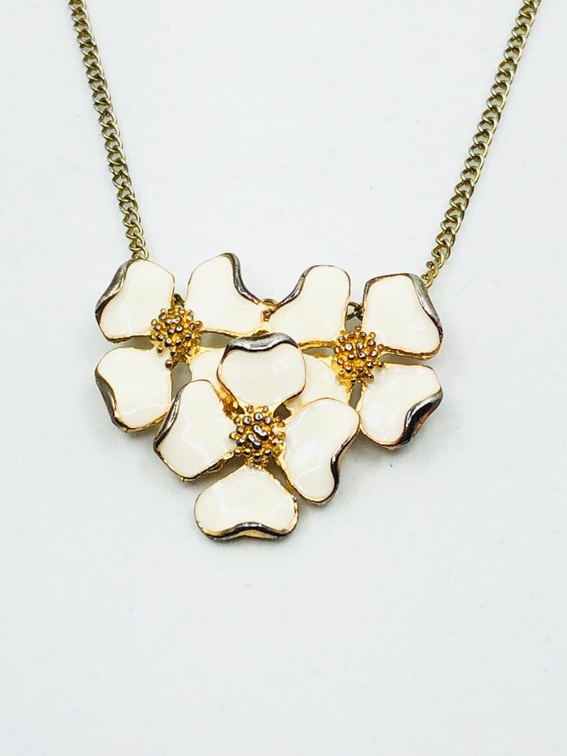 Vintage White Flower Necklace and Earring Set