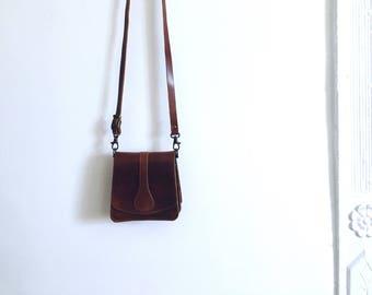 Super cute vintage leather bag
