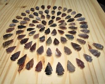 25 arrow heads, stone arrow heads, traditional arrow heads, hand knapped bird arrow heads, stone points, thanksgiving, yule