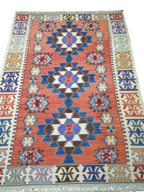 ancien tapis kilim turc rouge pastel livraison gratuite etsy. Black Bedroom Furniture Sets. Home Design Ideas