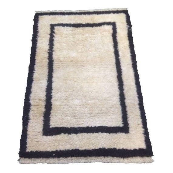 White Rug Turkish Wool Rug Moroccan Berber Beni Ouarain