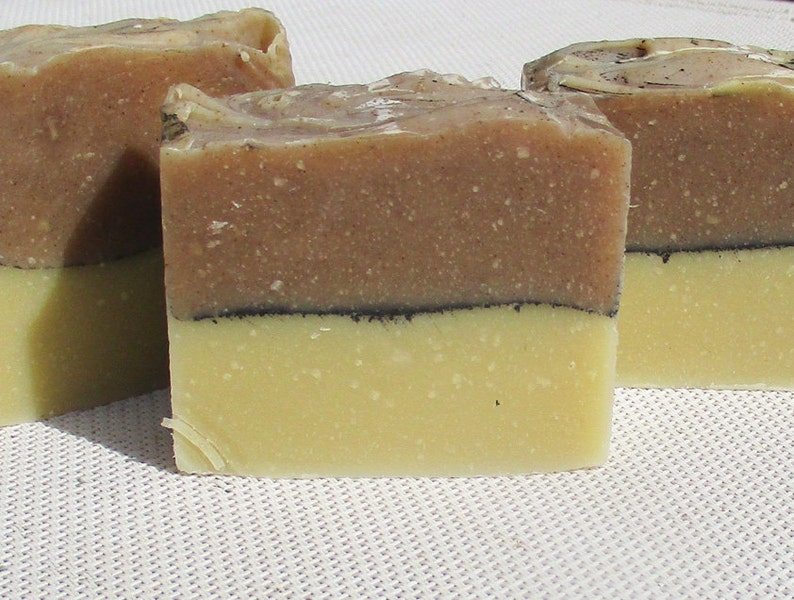 Hibiscus solid shampoo ylang cocoa butter image 0