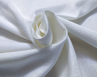 Jacquard, 229 gr/MTL-56% Silk, 44 cotton, width 140 cm, price 10 meters: 680.60 Euros (68.06 euro the Metro)