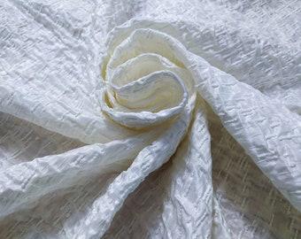 Jacquard, 220 gr/mtl - 55% Silk, 45 Nylon, Width 138 cm, Price 4 meters: 403.80 Euros (100.95 Euros per meter)