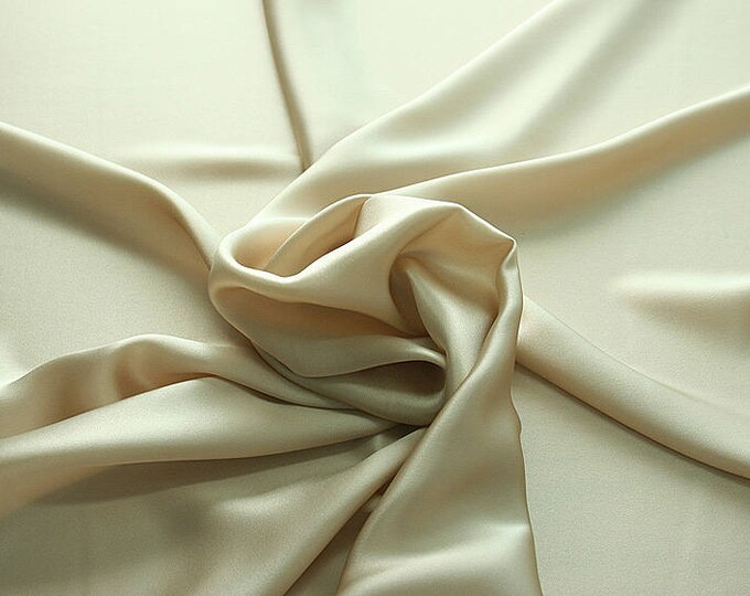 812012-Crepe Satin, natural silk 100%, wide 135/140 cm, made in Italy, dry washing, weight 98 gr, price 0.25 meters: 12.68 Euros