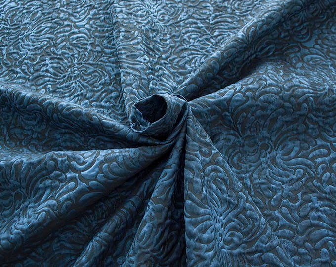 990062-141 JACQUARD-Co 53%, Pl 37, Pa 10, width 140 cm, made in Italy, dry cleaning, weight 279 gr, price 1 meter: 57.41 Euros