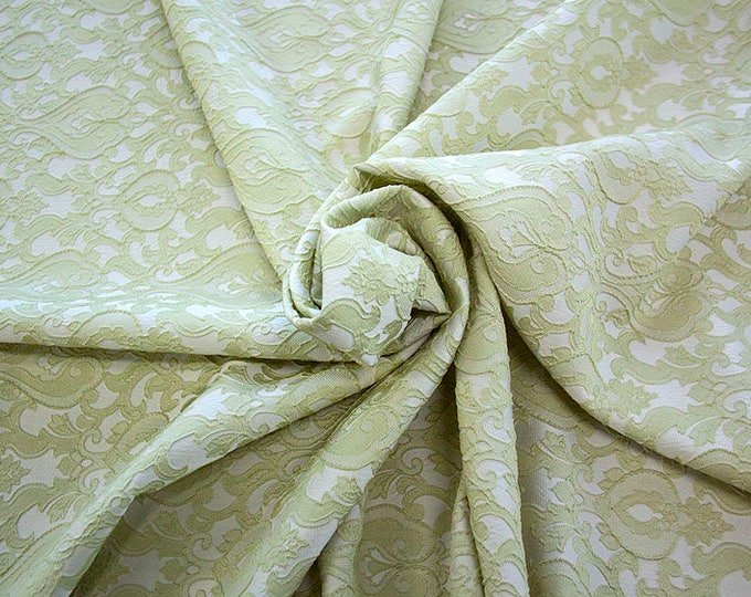 990071-083 Brocade-95% PL, 5 PA, 130 cm wide, manufactured in Italy, dry cleaning, weight 205 gr, price 1 meter: 52.94 Euros