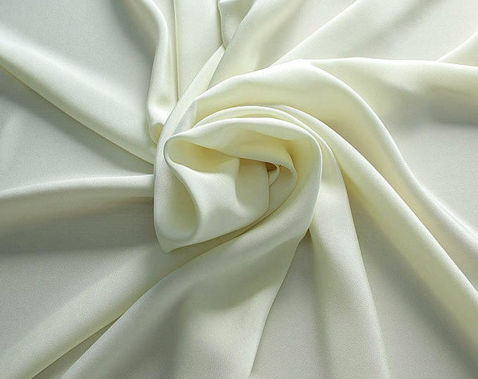 305004-Crepe marocaine Natural Silk 100%, wide 130/140 cm, made in Italy, dry cleaning, weight 215 gr, price 1 meter: 104.36 Euros