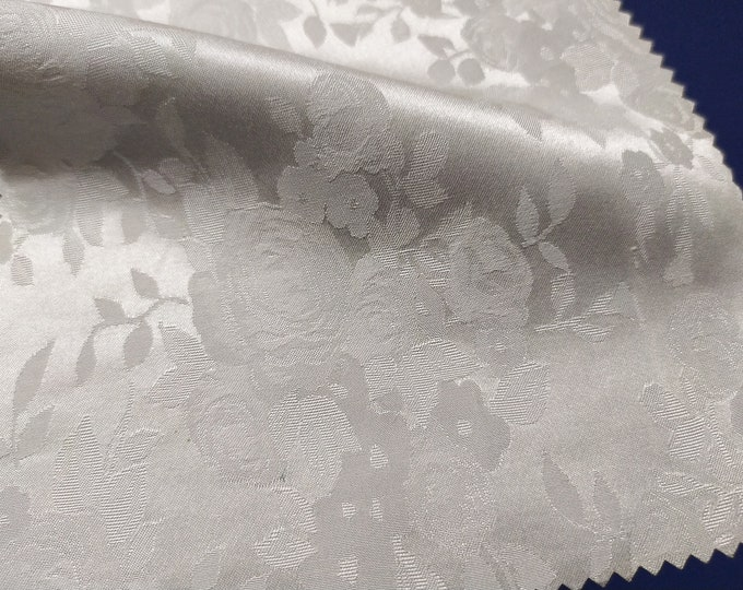 Jacquard, 169 gr/MTL-65% Fiocco, 35 viscose, width 138 cm, made in Italy, price 10 meters: 417.50 Euros (41.75 Euros per meter)