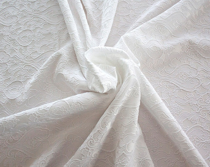 990071-001 Brocade 95% PL, 5 PA, 130 cm wide, manufactured in Italy, dry cleaning, weight 205 gr, price 1 meter: 52.94 Euros