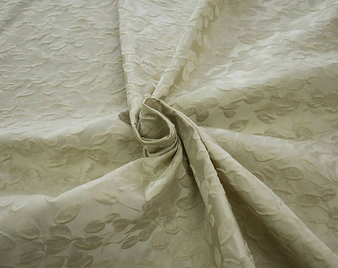 990101-009 JACQUARD-Co 63%, Se 31, Pc 6, 140 cm wide, made in Italy, dry wash, weight 238 gr, price 0.25 meters: 23.80 Euros