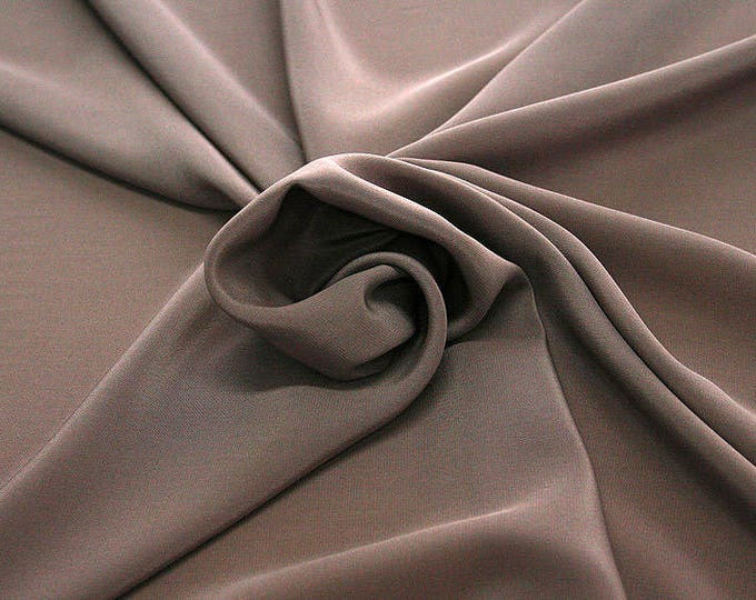 301021-Crepe de Chine, natural silk 100%, wide 135/140 cm, dry wash, weight 88 gr, price 0.25 meters: 11.35 Euros