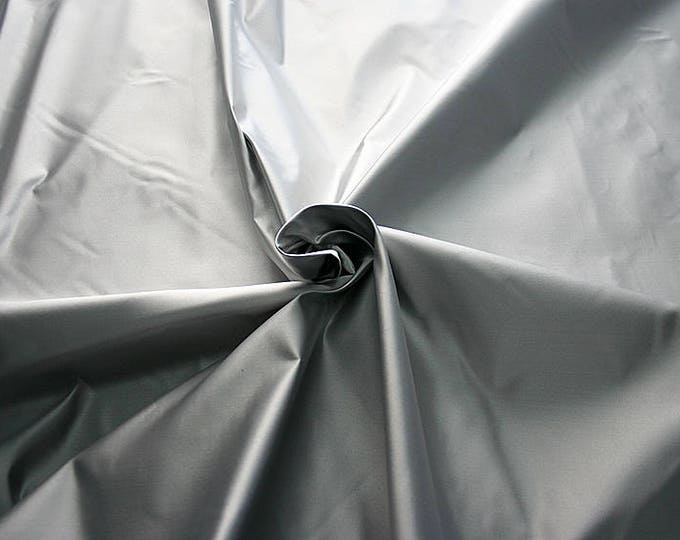 876600B-satin, natural silk 100%, width 135/140 cm, made in Italy, dry wash, weight 190 gr, price 0.25 meters: 31.69 Euros