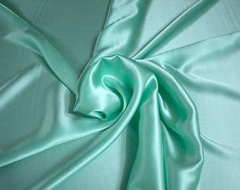 1712-084-Crepe Satin, natural silk 100%, wide 135/140 cm, dry wash, weight 100 gr, price 0.25 meters: 14.72 Euros