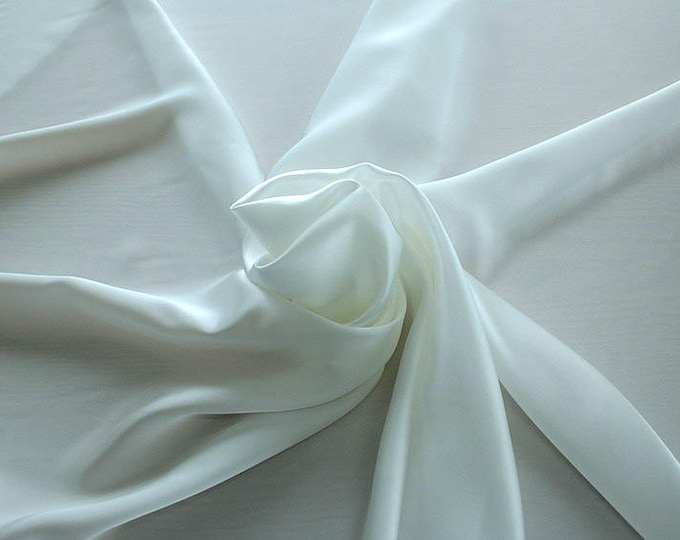 1712-002-Crepe Satin, natural silk 100%, wide 135/140 cm, made in Italy, dry washing, weight 100 gr, price 0.25 meters: 14.72 Euros
