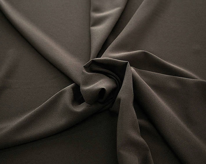 905088-Crepe 100% Polyester, 150 cm wide, made in Italy, dry washing, weight 306 gr, Price 0.25 meters: 8.14 Euros