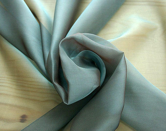 221022-Mouseline Cangiante, silk 100%, width 135 cm, litmus, dry washing, weight 35 gr, Price 0.25 meters: 13.81 Euros