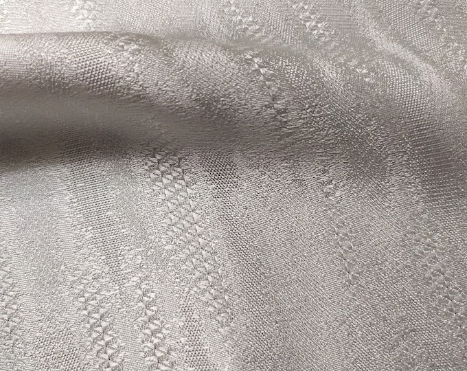 Jacquard, 109 gr/MTL-100% silk, wide 140 cm, made in Italy, dry wash, price 10 meters: 600.2 Euros (60.02 euro the Metro)