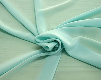 301083-crepe de Chine natural silk 100%, wide 135/140 cm, made in Italy, dry cleaning, weight 88 gr, price 1 meter: 45.38 Euros