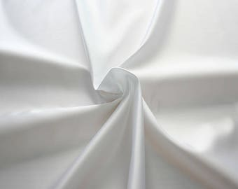 977001-satin, polyester 100%, width 140/150 cm, made in Italy, dry washing, weight 230 gr, price 0.25 meters: 4.87 Euros