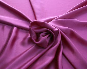 812139-Crepe Satin, natural silk 100%, wide 135/140 cm, made in Italy, dry washing, weight 98 gr, price 0.25 meters: 12.68 Euros