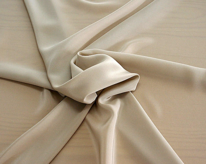 301007-Crepe de Chine, natural silk 100%, wide 135/140 cm, dry wash, weight 88 gr, price 0.25 meters: 11.35 Euros