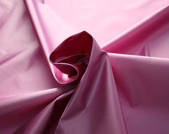 276207-natural silk satin 100%, 135/140 cm wide, manufactured in Italy, dry cleaning, weight 180 gr, price 1 meter: 133.89 Euros