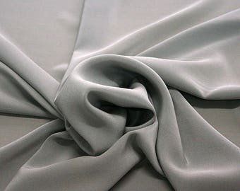 301186-crepe de Chine natural silk 100%, wide 135/140 cm, made in Italy, dry cleaning, weight 88 gr, price 1 meter: 45.38 Euros