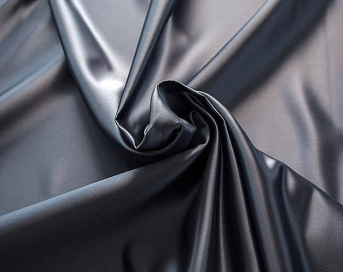 978047-Polyester Satin 100%, 150 cm wide, made in Italy, dry cleaning, weight 260 gr, price 1 meter: 23.84 Euros
