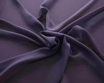 1716-215-natural Silk Georgette 100%, wide 135/140 cm, made in Italy, dry cleaning, weight 60 gr, price 1 meter: 42.35 Euros