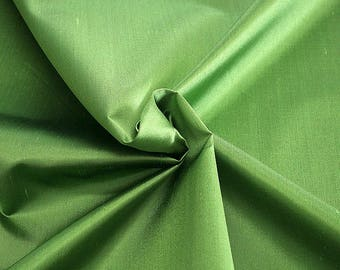 236081-Shantung, natural silk 100%, wide 135/140 cm, made in Italy, dry washing, weight 120 gr, price 0.25 meters: 16.54 Euros