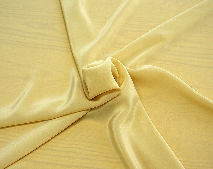 301070-Crepe de Chine, natural silk 100%, wide 135/140 cm, dry wash, weight 88 gr, price 0.25 meters: 11.35 Euros