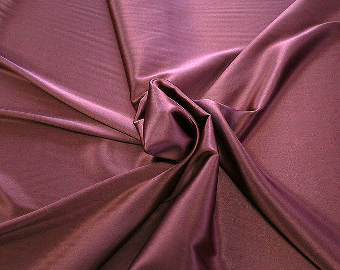 1713-115-crepe Satin Silk 97%, 6 Lycra, 135 cm wide, made in Italy, dry washing, weight 100 gr, price 0.25 meters: 14.72 Euros