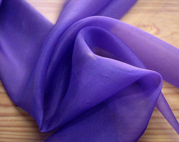 131215-organdy, natural silk 100%, width 135/140 cm, dry washing, weight 34 gr, Price 0.25 meters: 7.10 Euros