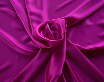 1712-124-Crepe Satin, natural silk 100%, wide 135/140 cm, made in Italy, dry washing, weight 100 gr, price 0.25 meters: 14.72 Euros
