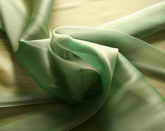 232084-Organdy Cangiante, natural silk 100%, wide 135 cm, made in Italy, dry washing, weight 55 gr, Price 0.25 meters: 13.81 Euros