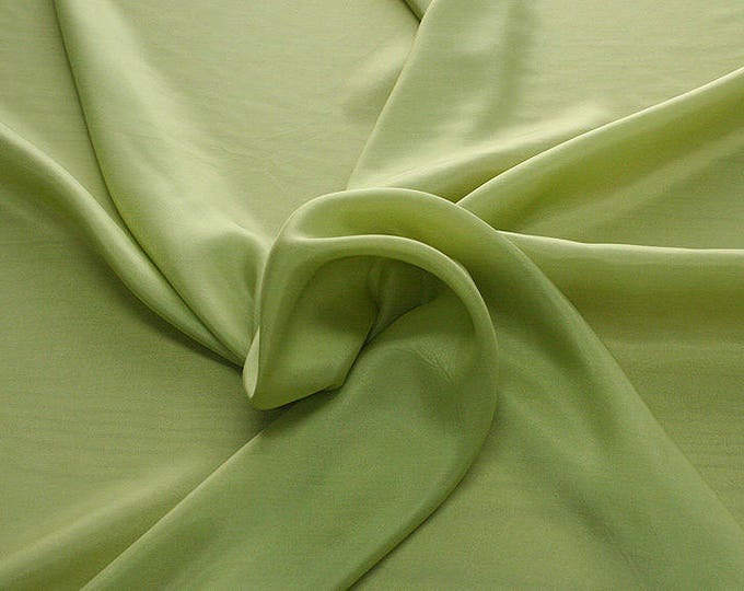 402089-taffeta, natural silk 100%, width 110 cm, dry washing, weight 58 gr, Price 0.25 meters: 6.63 Euros