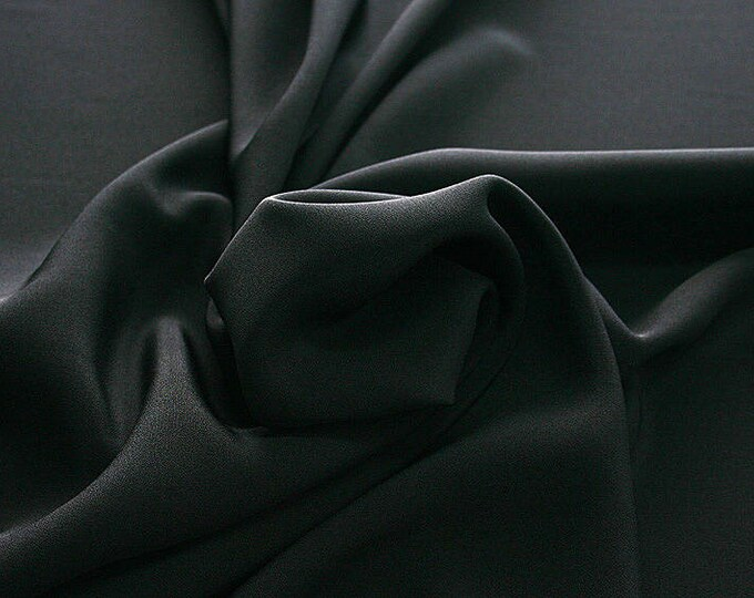 305201-Crepe marocaine Natural Silk 100%, wide 130/140 cm, made in Italy, dry cleaning, weight 215 gr, price 1 meter: 104.36 Euros