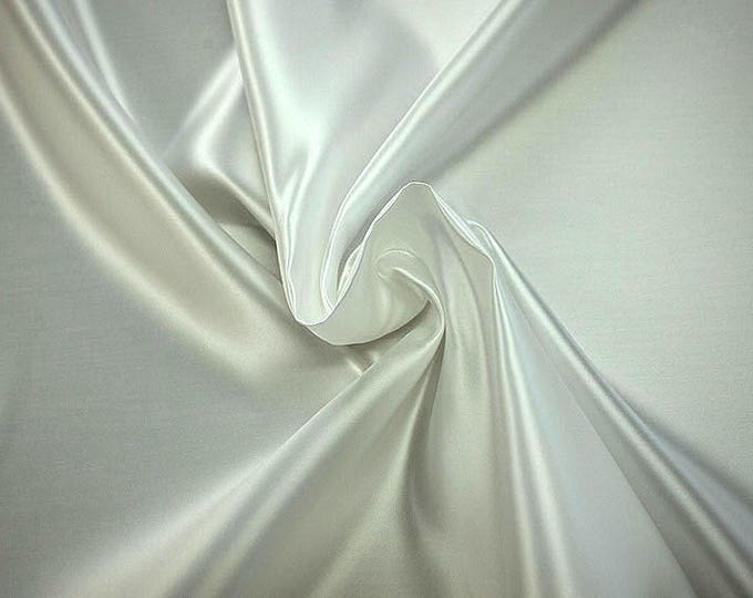978005-Polyester Satin 100%, 150 cm wide, made in Italy, dry cleaning, weight 260 gr, price 1 meter: 23.84 Euros